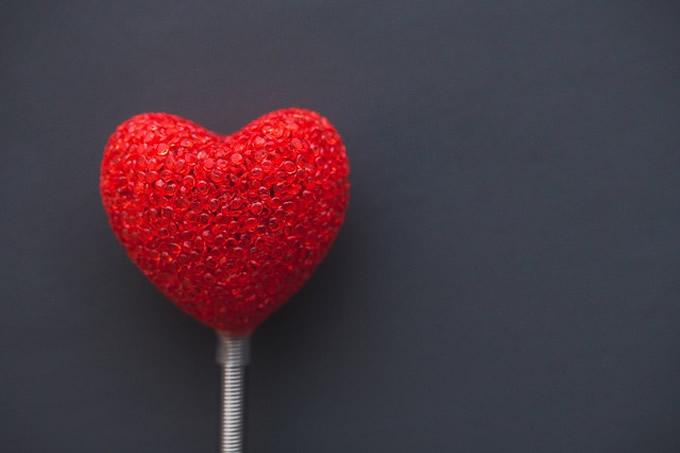 tarot amour gratuit avec une voyante s rieuse par t l phone. Black Bedroom Furniture Sets. Home Design Ideas